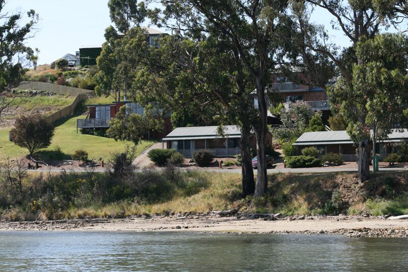 Driftwood Cottages, Self-contained accommodation, Huon Valley